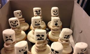 Vanilla Skeleton Cupcakes with Marshmallow Buttercream Icing